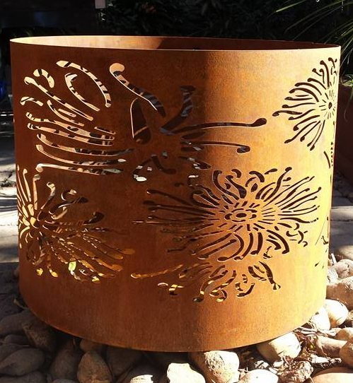 Large Round Fire Pit in Firewheel Pattern