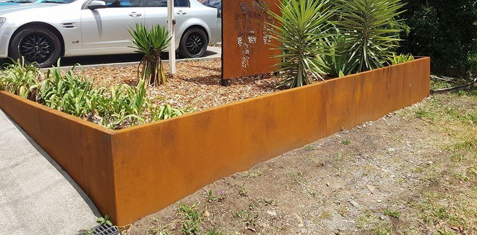 Marvelous Garden Edging In Rusted Corten Steel