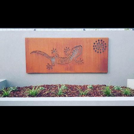 Gecko Wall Art in Steel