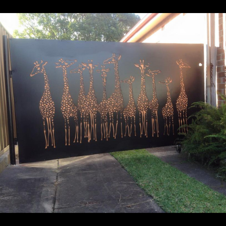Swinging Vehicular Gate with Giraffe Tower Pattern