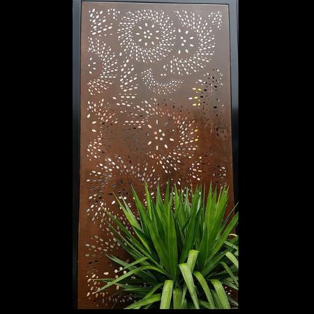 Fanfare Pattern Decorative Screen