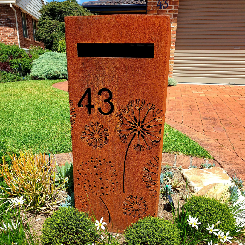 Medium Letterbox with Agapanthas pattern – Natural Rust Finish